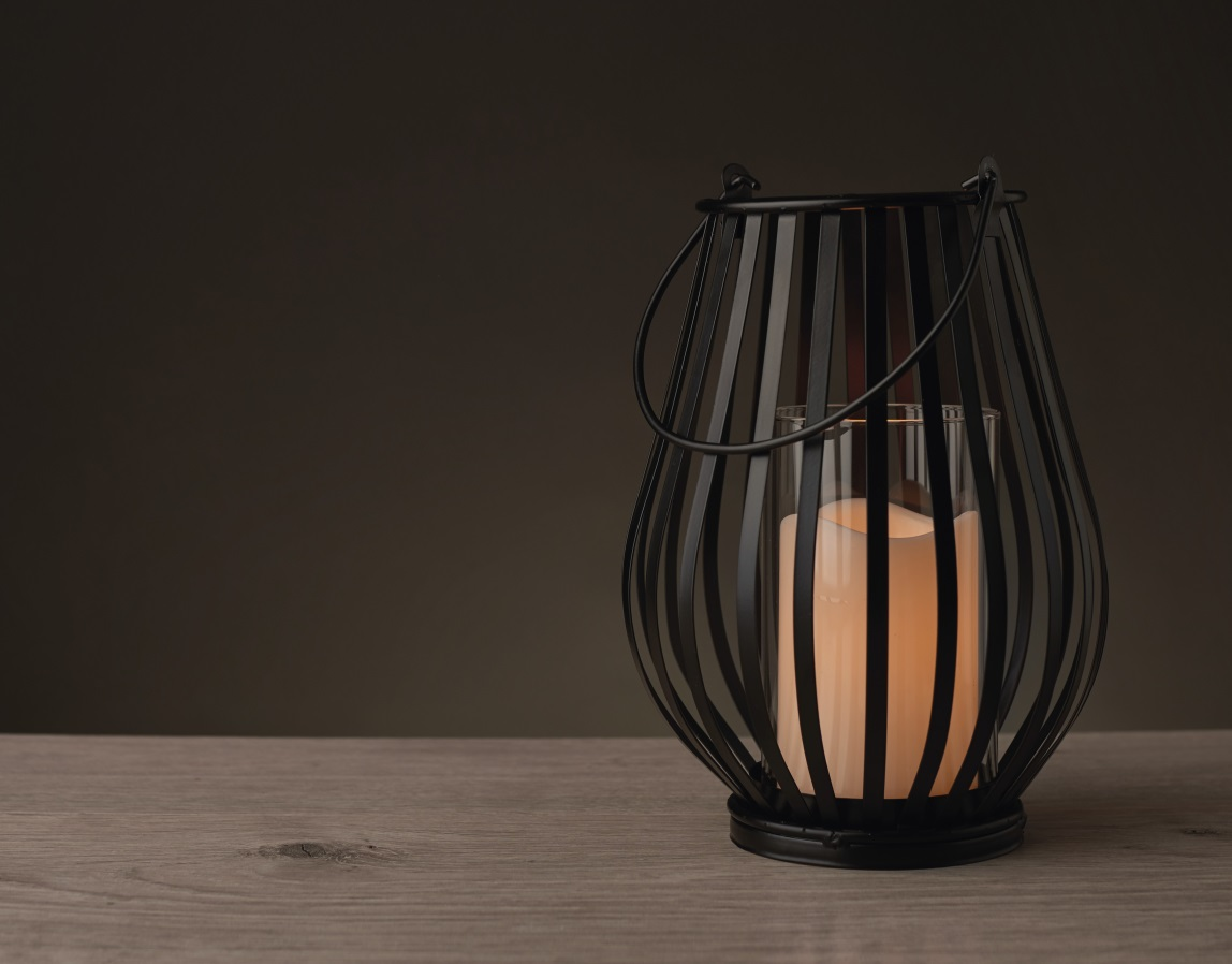 Lampa kovová se svíčkou 25 x 18 cm - 1 LED teplá bílá + časovač